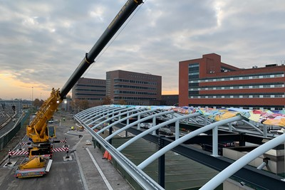 2.mounting_busstation_canopy.jpg