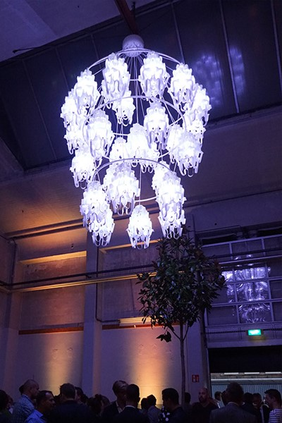 Chandelirious_02.jpg